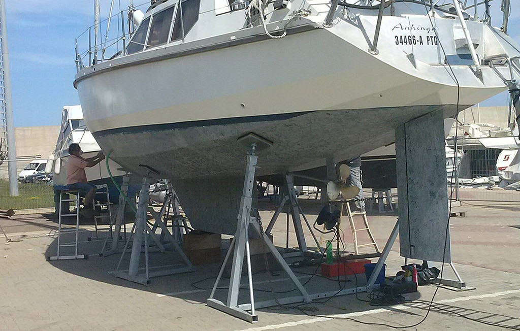 Puntelli ad inclinazione fissa per barche